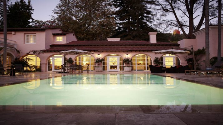 HOTEL INTERIOR DESIGNER: Alexandra Champalimaud presidential pool web 715x400