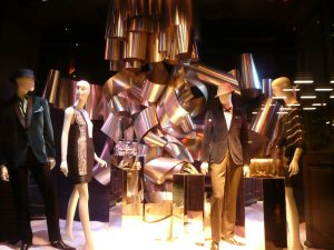 Saks Fifth Avenue Stores – Special Window Decoration windows christmas and holiday decoration saks fifth avenue nyc 8 300x225