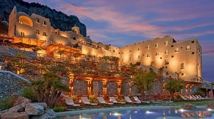 5 AMAZING LUXURY RESORT INTERIORS monastero santa rosa 715x400