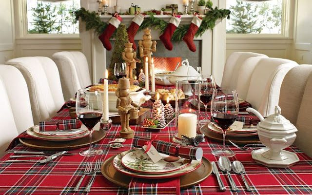 Interior Design Ideas for this Christmas excellent christmas dinner table decorations 640x400