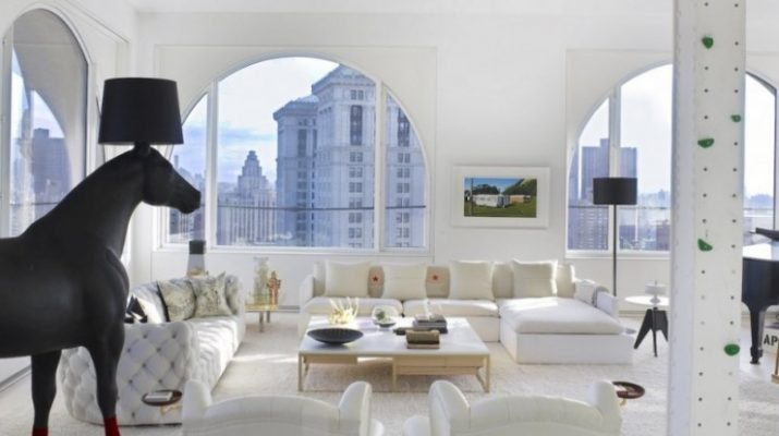 NYC PENTHOUSE WITH AN EXTRAVAGANT BRASS SLIDE penthouse nyc brass new york design agenda 2 715x400