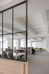 Top 10 Most Amazing Office Design Ideas 57b865379fa17d8469614ea05e363f76 200x300