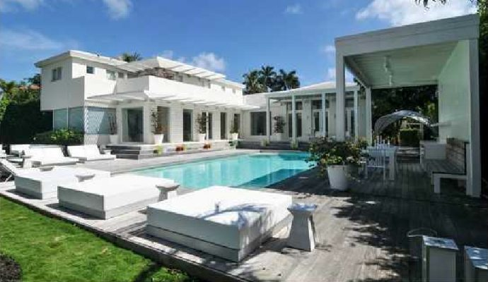 feature image  Shakira's Luxury Mansion in Miami Beach feature image3 690x400