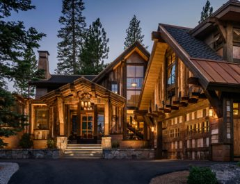 incredible-texas-mansion-in-the-woods