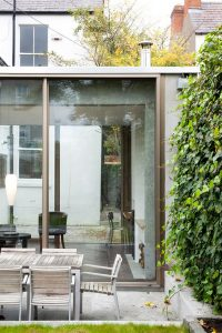 Beautiful Glazed House Feels Like a Garden's Extension  Beautiful Glazed House Feels Like a Garden's Extension Ormond Road GKMP Architects house extension dezeen 468 6 200x300