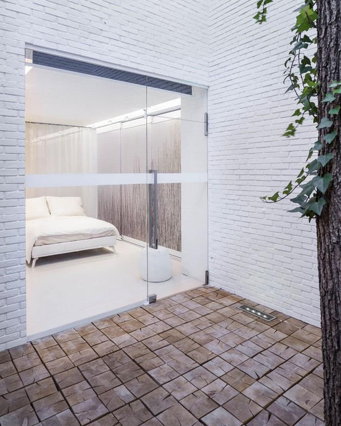 "apartment of the future ""Apartment of the Future"" in Poland Polands Futuristic Residential Architecture Design 5"