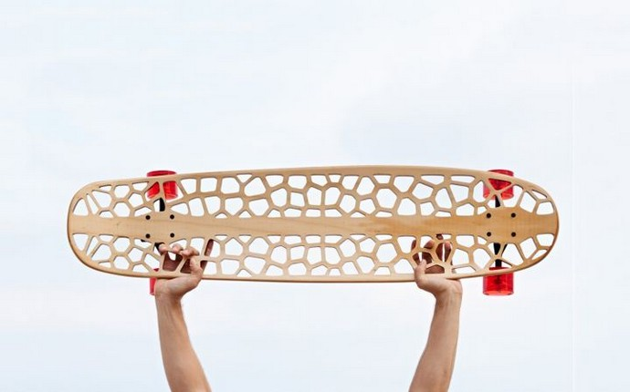 7th-Edition-of-Rio+Design-At-Fuori-Salone-2015-Technology-and-Sustainability-Voronoi-Skateboard-Organic
