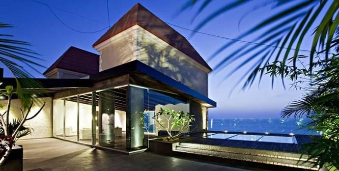 John Abraham's fabulous villa in Mumbai John Abraham John Abraham's fabulous villa in Mumbai best design projects john abrahams fabulous villa in mumbai 6 e1438864800432