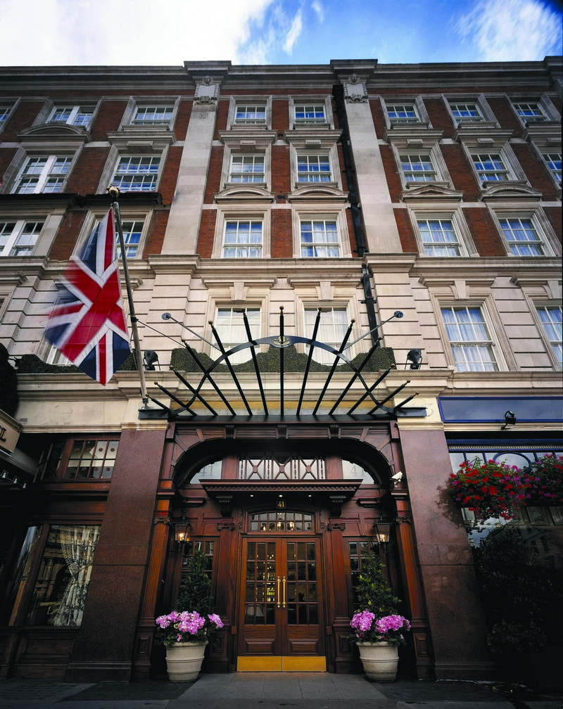 Hotel Design Project - Get Inside The Unique 41 Hotel In London ➤ To see more news about the Best Design Projects in the world visit us at http://www.bestdesignprojects.com #homedecor #interiordesign #bestdesignprojects @bocadolobo @delightfulll @brabbu @essentialhomeeu @circudesign @mvalentinabath @luxxu @covethouse_ hotel design project Hotel Design Project – Get Inside The Unique 41 Hotel In London Hotel Design Project Get Inside The Unique 41 Hotel In London 1