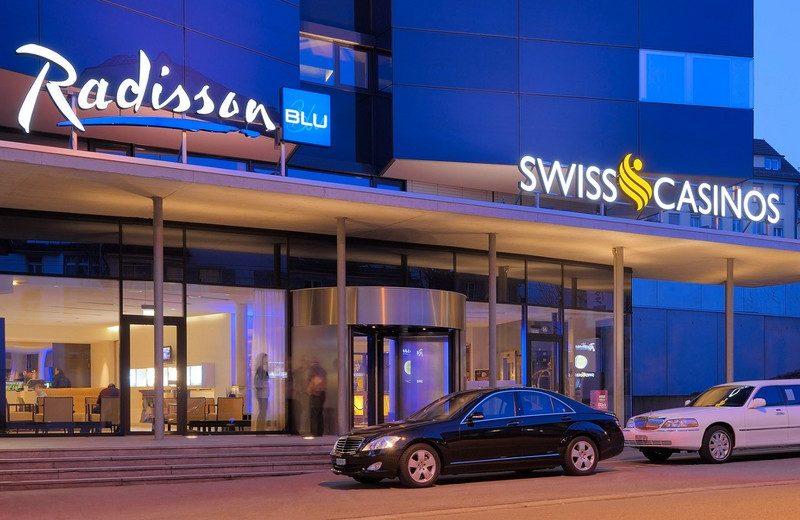 Enjoy One of these Flawless Luxury Hotels for Baselworld 2018 1 #bestdesignprojects #interiordesign #homedecor #luxurydesign www.bestdesignprojects.com @bocadolobo @delightfulll @brabbu @essentialhomeeu @circudesign @mvalentinabath @luxxu @covethouse_ @covetedmagazine flawless luxury hotels Enjoy One of these Flawless Luxury Hotels for Baselworld 2018 Enjoy One of these Flawless Luxury Hotels for Baselworld 2018 13