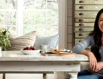 Joanna Gaines Helps You Decorate Your Thanksgiving Table!