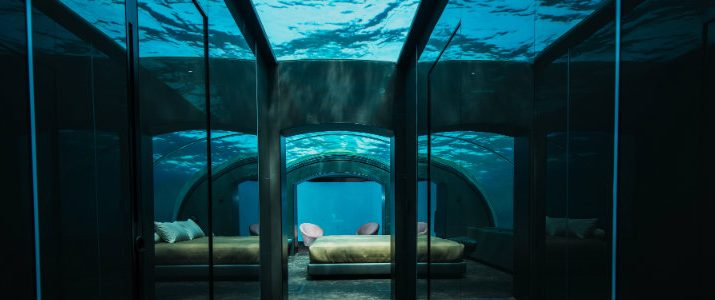 Spend A Night In This Luxury Underwater Hotel Villa luxury underwater hotel Spend A Night In This Luxury Underwater Hotel Villa villa main 715x300