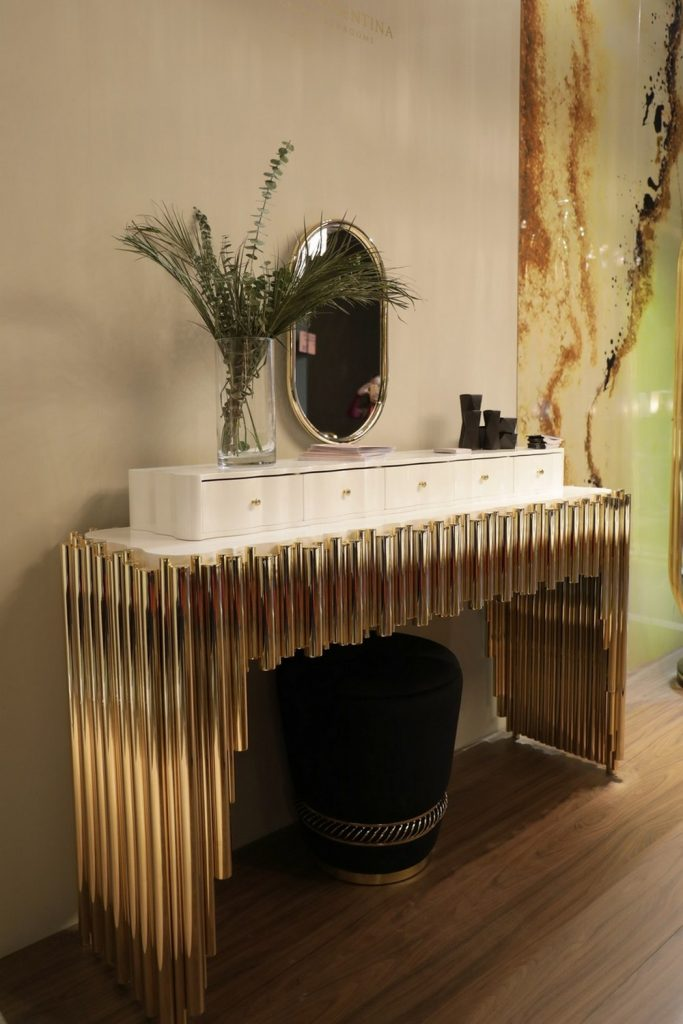 Your Luxury Walk-In Closet Needs These 7 Bespoke Dressing Tables bespoke dressing table Your Luxury Walk-In Closet Needs These 7 Bespoke Dressing Tables Your Luxury Walk In Closet Needs These 7 Bespoke Dressing Tables 6